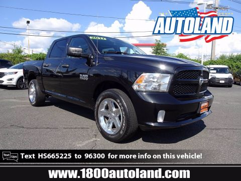 Certified Pre-Owned 2017 Ram 1500 Express 4WD Crew Cab Pickup